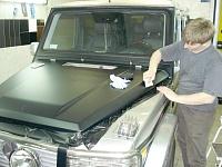 Mercedes Gelentwagen. Капот оклеен матовой виниловой пленкой.