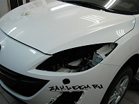 Mazda 3 ламинация капота бампера зеркал и стоек лобового стекла