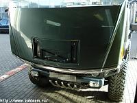 """HAMMER H2. И на военном автомобиле пленка """"под карбон"""" смотрится гармонично."""