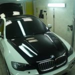 BMW X5 защита капота крыши и багажника виниловой глянцевой пленкой