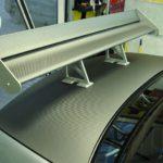 Пленка цвета серого карбона отлично смотреться на Mitsubishi Lancer.